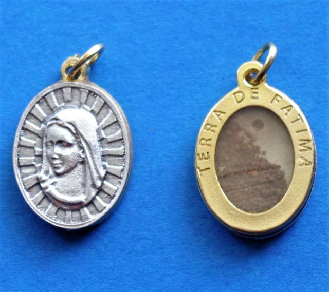 Medal with Earth from Fatima