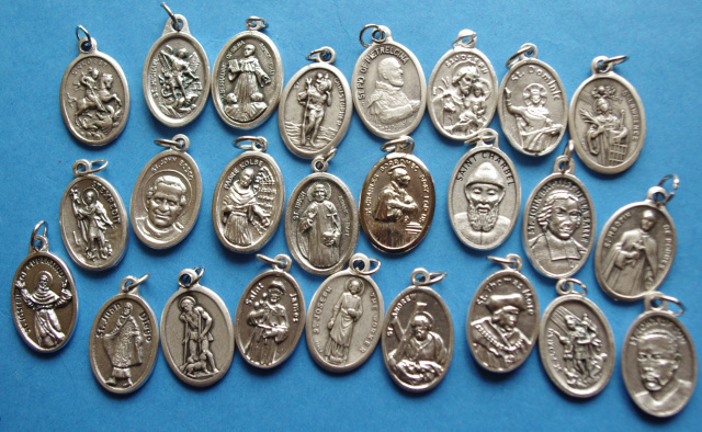 ASSORTMENT OF MALE SAINTS MEDALS-pull 1 each of 25 Male Saints Medals--NO CHARMS OR RELICS